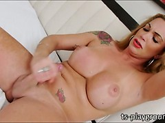 Sultry tranny babe Julie..