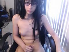 Tranny Cumming During Live..